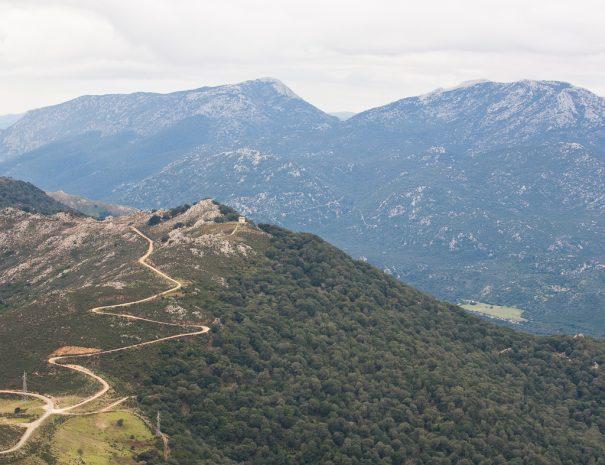 La cresta di Pontesu escursione in mountain bike